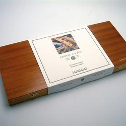 Leere Holzkästen